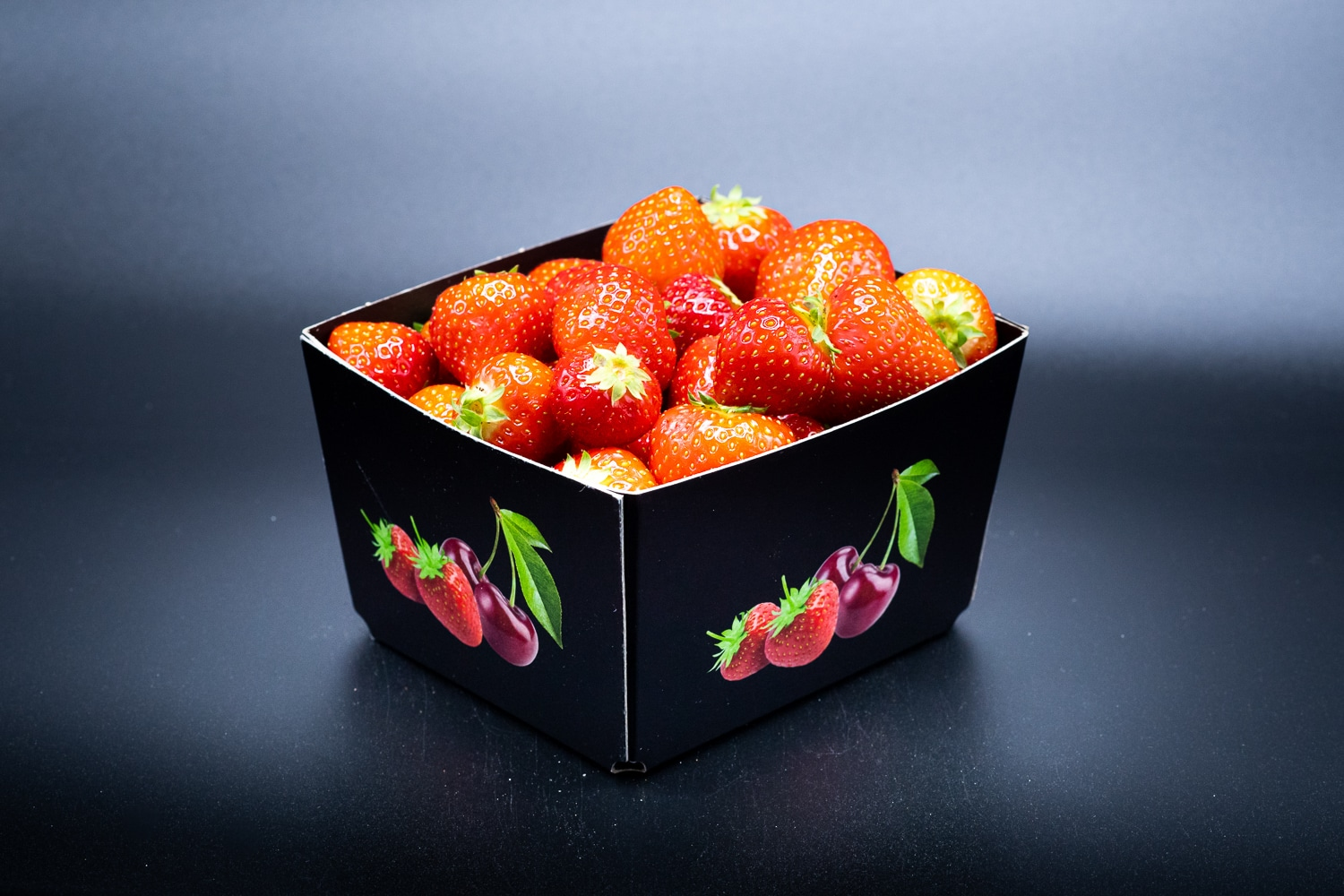 Solutions-cardboard-punnets-fruit-strawberries